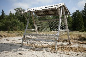 Гамак на пляже к югу от переговорного камня